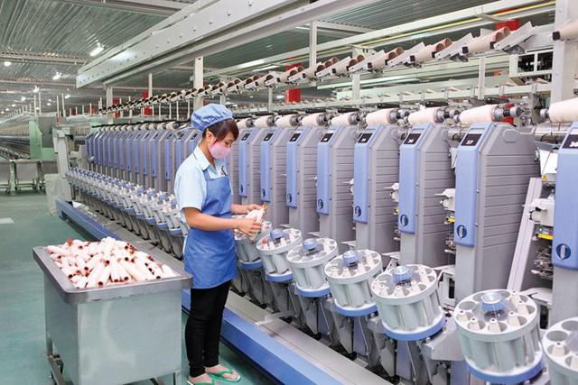 Dệt may với CPTPP: Xuất khẩu khó về xuất xứ, nhập khẩu khó về nguyên liệu - Ảnh 1.