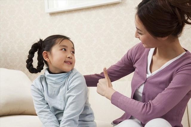 Chỉ nhờ vài câu nói của bố mẹ trước khi đi ngủ, trẻ lớn lên sẽ tràn đầy tự tin, trưởng thành và xuất chúng hơn người - Ảnh 2.
