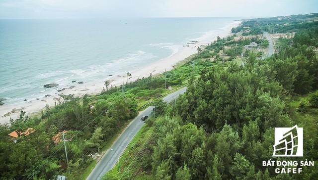 Toàn cảnh cung đường ven biển đẹp nhất phia Nam đang bùng nổ nguồn cung biệt thự biển - Ảnh 2.