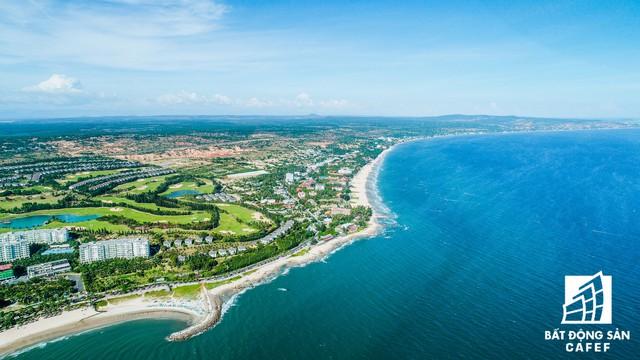 Toàn cảnh cung đường ven biển đẹp nhất phia Nam đang bùng nổ nguồn cung biệt thự biển - Ảnh 3.