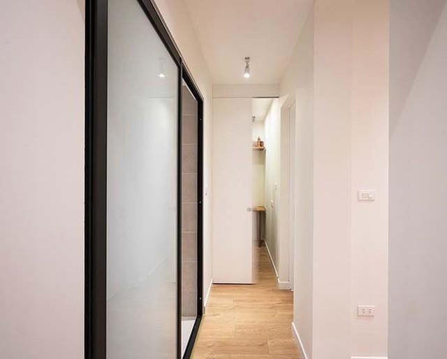 Căn hộ cũ ẩm thấp lột xác khó tin nhờ nội thất 150 triệu đồng - Ảnh 3.