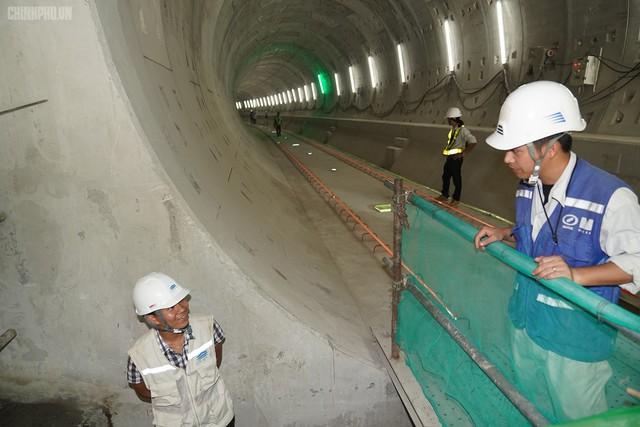 Thủ tướng thị sát dự án tuyến metro đầu tiên của TPHCM - Ảnh 8.