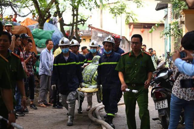 Cận cảnh hiện trường cháy nhà xưởng kinh hoàng, 8 người tử vong và mất tích  - Ảnh 8.