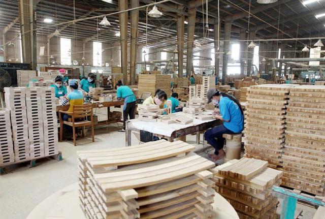 Không chỉ IKEA, một công ty nội thất Mỹ khác đang tăng cường sản xuất tại Việt Nam - Ảnh 1.