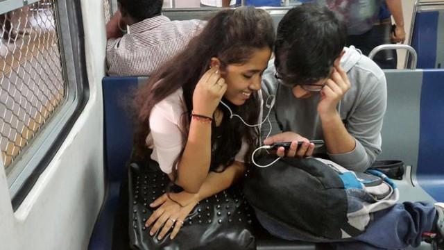 Tại sao giá dữ liệu di động tại Ấn Độ rẻ nhất thế giới? - Ảnh 1.