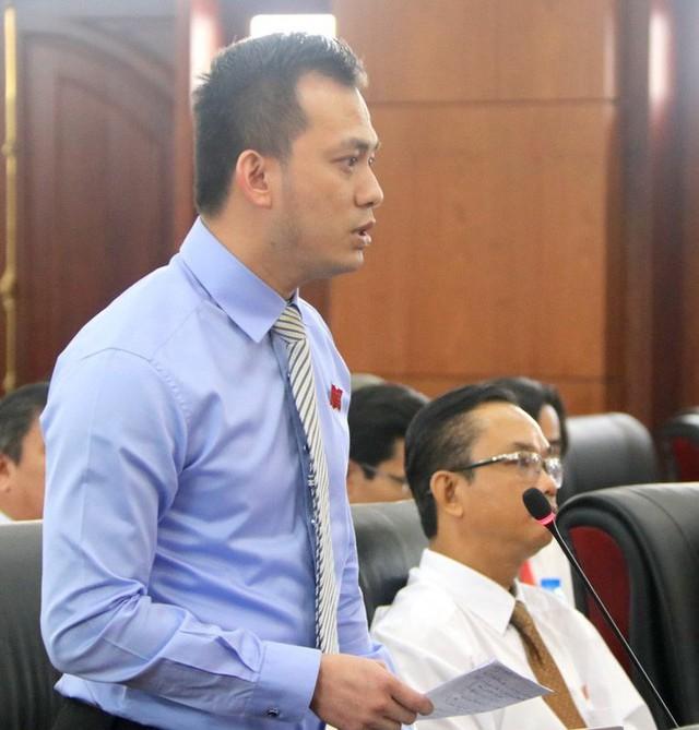 Ông Nguyễn Bá Cảnh từng không đồng ý việc miễn phí gửi xe hoàn toàn mà người dân vô cùng ủng hộ - Ảnh 2.