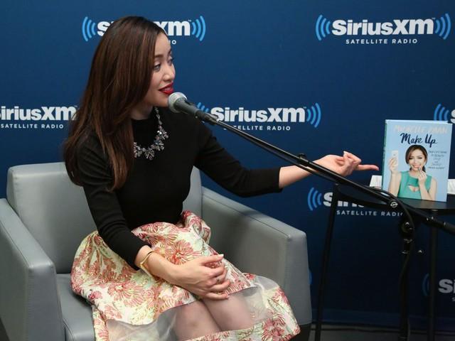 Từ Michelle Phan đến Kylie Jenner: Xu hướng người trẻ xây dựng đế chế mỹ phẩm triệu đô nhờ sự ảnh hưởng trong cộng đồng mạng xã hội đang bùng nổ - Ảnh 4.
