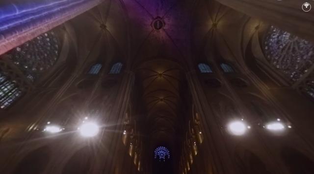 Còn lại gì bên trong Nhà thờ Đức Bà Paris sau vụ cháy thảm khốc? - Ảnh 6.