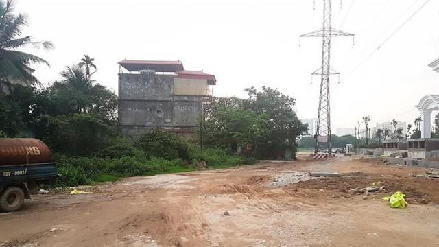 Cận dự án đường BT chưa động thổ, đất đối ứng đã rao bán - Ảnh 2.