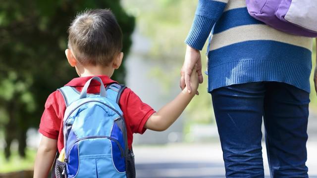 Để giúp con cứng cỏi, các bậc cha mẹ mạnh mẽ tuyệt đối không làm 13 điều này: Quá yêu con hôm nay chính là giết chết con của ngày mai! - Ảnh 2.