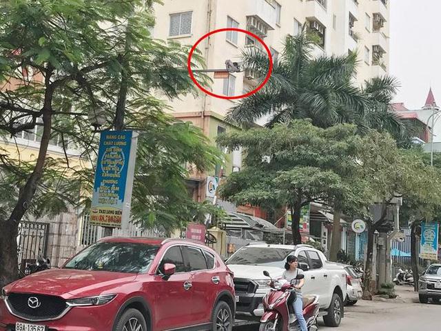 Hà Nội: Quận Long Biên tốn kém lắp camera để làm... màu? - Ảnh 1.