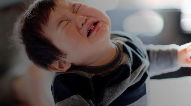 Đây là những điều cha mẹ rất nên lưu ý mỗi khi phải ra tay xử lý tính đố kỵ ở con nhỏ - Ảnh 1.