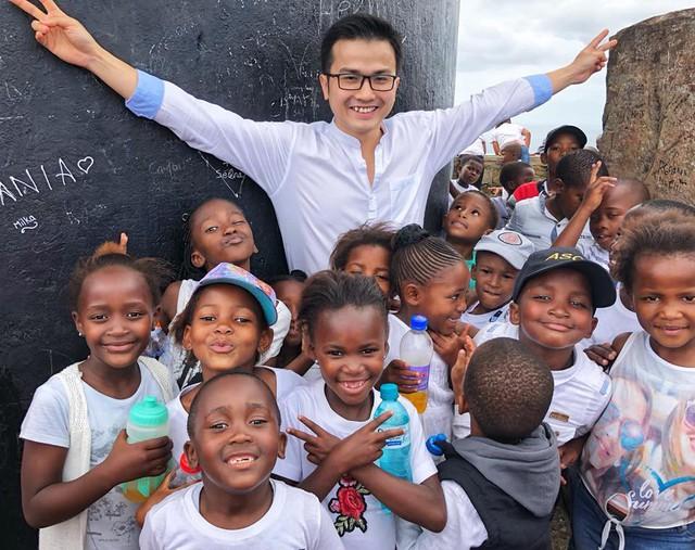 PGS trẻ nhất Việt Nam vừa đc bổ nhiệm chức danh Giáo sư tại ĐH Johns Hopskin, Mỹ là ai? - Ảnh 4.