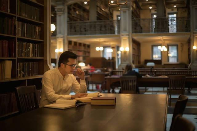 PGS trẻ nhất Việt Nam vừa đc bổ nhiệm chức danh Giáo sư tại ĐH Johns Hopskin, Mỹ là ai? - Ảnh 2.