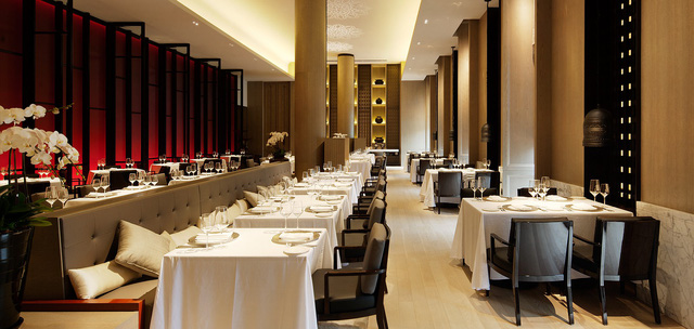 """Từ khách sạn cũ nát tới giấc mơ sao Michelin, nhà hàng này đã thành công suốt nửa thế kỷ chỉ nhờ triết lý kinh doanh cực """"khéo"""" của gia đình tỷ phú Ấn Độ - Ảnh 4."""