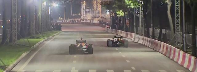 Mãn nhãn với màn đua xe F1 của tay đua huyền thoại David Coulthard ngay tại Hà Nội - Ảnh 9.