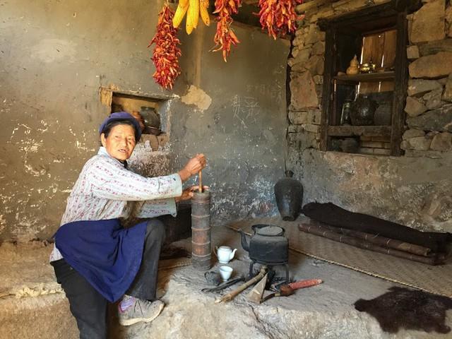 Lặng ngắm ngôi làng cổ yên bình, rất ít người biết đến trên vách đá khổng lồ tại Trung Quốc: Một lần tới Bảo Sơn, cả đời ấn tượng khó quên!  - Ảnh 9.