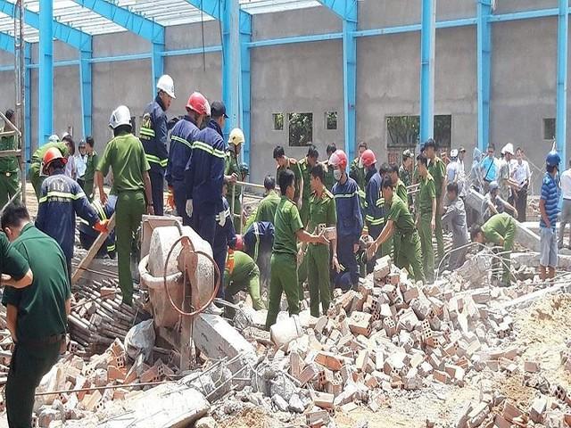 Vụ sập tường ở Vĩnh Long: Thêm 1 nạn nhân tử vong - Ảnh 1.