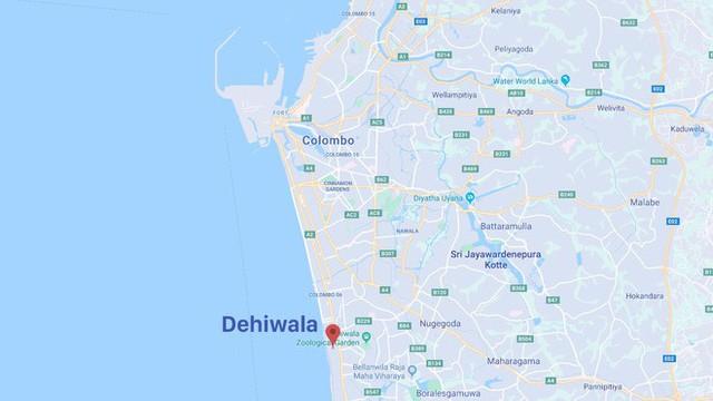 [NÓNG] Gần 200 người thiệt mạng, vừa xảy ra vụ đánh bom thứ 8, Sri Lanka áp giờ giới nghiêm - Ảnh 1.