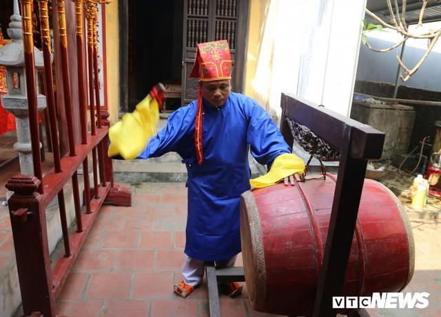 Ảnh: Người Hà Nội hồ hởi thả diều dưới cái nắng 41 độ C trong hội làng Bá Dương Nội - Ảnh 3.