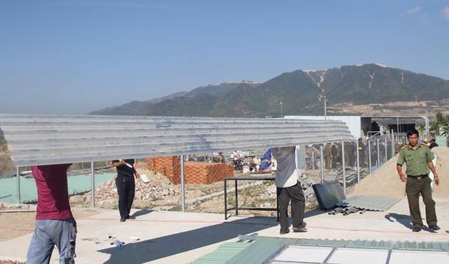 Xây dựng trái phép, 45 ngôi nhà ở Nha Trang bị giải tỏa - Ảnh 4.