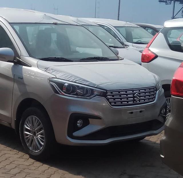 Giá rẻ hơn 140 triệu đồng, mẫu ô tô mới xuất hiện tại VN của Suzuki có gì? - Ảnh 1.