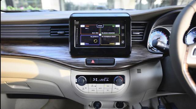 Giá rẻ hơn 140 triệu đồng, mẫu ô tô mới xuất hiện tại VN của Suzuki có gì? - Ảnh 6.