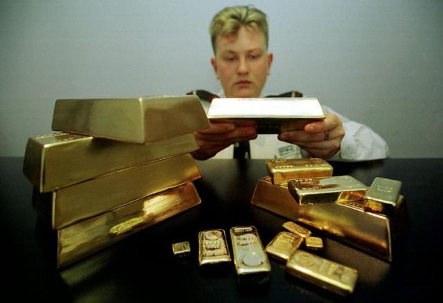 10 nước dự trữ vàng nhiều nhất thế giới - Ảnh 10.