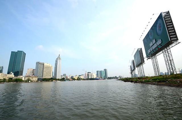 TP HCM lập đoàn kiểm tra sử dụng hành lang bờ sông Sài Gòn - Ảnh 1.