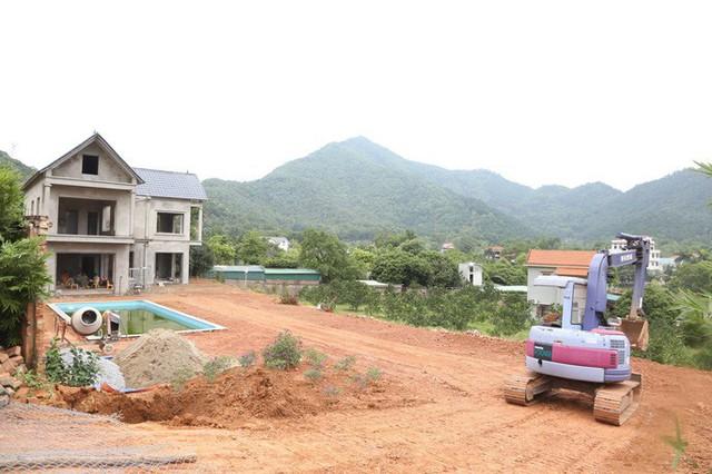 Hà Nội đang cưỡng chế công trình kiên cố vi phạm ở Sóc Sơn - Ảnh 6.