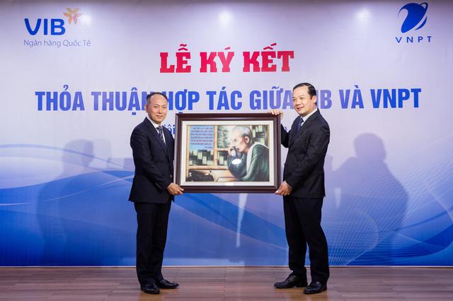 VNPT và Ngân hàng VIB ký kết hợp tác toàn diện - Ảnh 2.