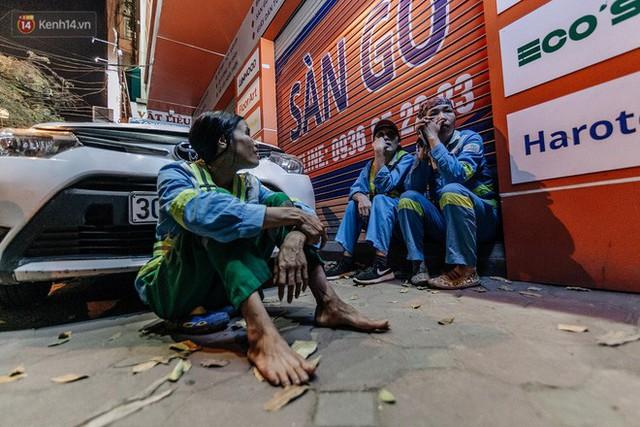 Sự ra đi của nữ công nhân môi trường và nỗi ám ảnh người ở lại: Những phận đời phu rác bám đường phố Hà Nội mưu sinh - Ảnh 14.