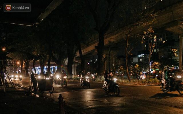 Sự ra đi của nữ công nhân môi trường và nỗi ám ảnh người ở lại: Những phận đời phu rác bám đường phố Hà Nội mưu sinh - Ảnh 4.