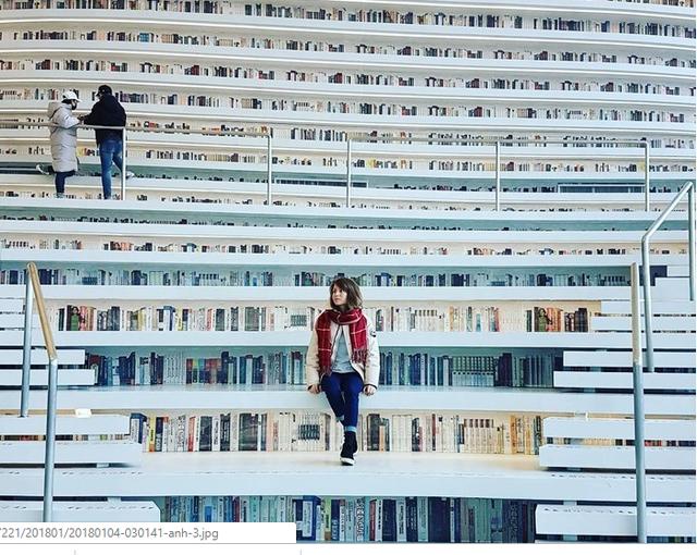 Choáng ngợp với vẻ đẹp của thư viện quốc dân lớn nhất Trung Quốc: Hoành tráng đến mức nhìn không thua gì phim trường! - Ảnh 4.