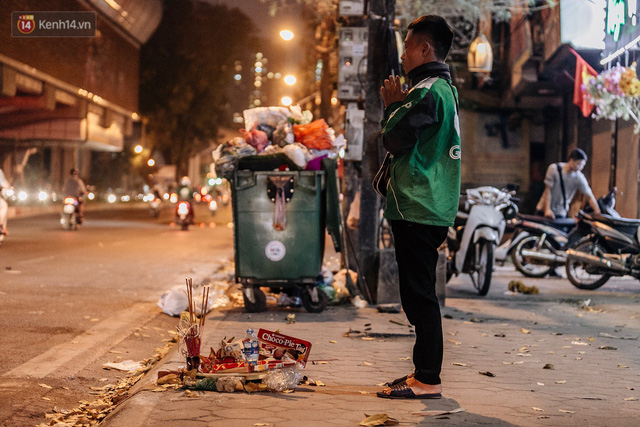 Sự ra đi của nữ công nhân môi trường và nỗi ám ảnh người ở lại: Những phận đời phu rác bám đường phố Hà Nội mưu sinh - Ảnh 6.