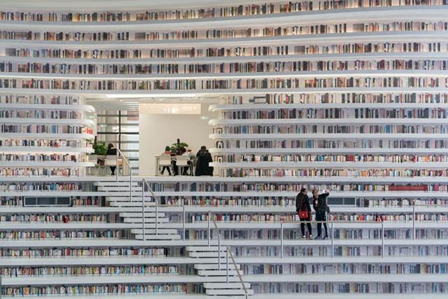 Choáng ngợp với vẻ đẹp của thư viện quốc dân lớn nhất Trung Quốc: Hoành tráng đến mức nhìn không thua gì phim trường! - Ảnh 10.