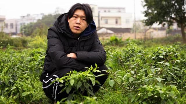 Anh nông dân chăn lợn Trung Quốc bỗng chốc trở thành ngôi sao mạng xã hội kiếm được gần 3000 USD mỗi tháng nhờ xu hướng live-stream - Ảnh 2.