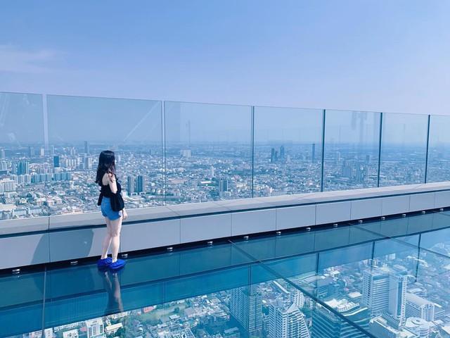 Dân tình hốt hoảng với sàn kính cao ở độ cao trên 300m ngắm trọn cảnh thủ đô Bangkok - Ảnh 13.