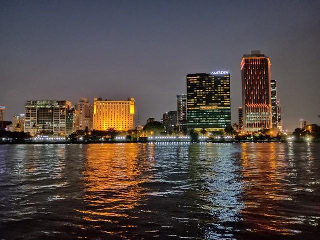 Ngại đi xa ngày lễ, hãy tận hưởng buổi tối Sài Gòn tại những điểm đến siêu hot này! - Ảnh 5.