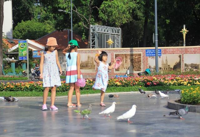 Khung cảnh yên ả ở Sài Gòn ngày đầu kỳ nghỉ lễ 30/4 và 1/5 - Ảnh 5.
