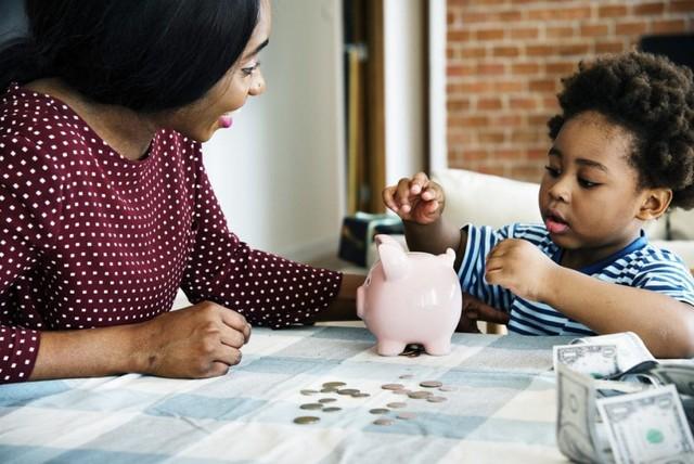Dù con 3 tuổi hay 13 tuổi, hãy dạy con giá trị của đồng tiền: Đừng chờ trẻ lớn rồi khắc khôn, cha mẹ thông minh sẽ làm ngay từ bây giờ! - Ảnh 2.