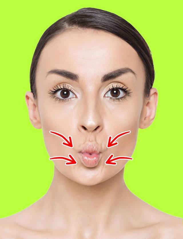 Không ngờ chỉ cần làm vài động tác này là đã giảm được nếp nhăn trên mặt và trẻ ra trông thấy - Ảnh 3.