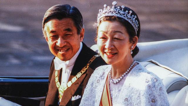 Những khoảnh khắc đáng nhớ của Nhật hoàng Akihito và hoàng hậu Michiko trước thời điểm chuyển giao lịch sử - Ảnh 1.