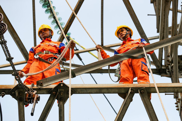 Giá điện tăng điên cuồng trong tháng 4: EVN tiếp tục lý giải nguyên nhân - Ảnh 1.