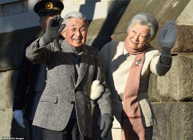Hơn 60 năm trước, từng có chàng Thái tử Nhật Bản dám cãi lời bố mẹ, quyết cưới vợ thường dân rồi tự vẽ nên chuyện cổ tích khó tin - Ảnh 15.