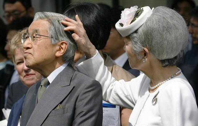 Hơn 60 năm trước, từng có chàng Thái tử Nhật Bản dám cãi lời bố mẹ, quyết cưới vợ thường dân rồi tự vẽ nên chuyện cổ tích khó tin - Ảnh 17.