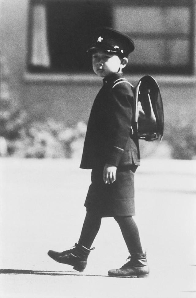 Hành trình 85 năm đi cùng nước Nhật của Nhật hoàng Akihito - Ảnh 3.
