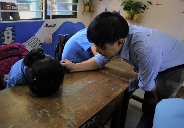 Người thầy 11 năm gieo chữ, mang lại nụ cười cho trẻ khiếm khuyết và tự kỷ ở Đà Nẵng - Ảnh 6.