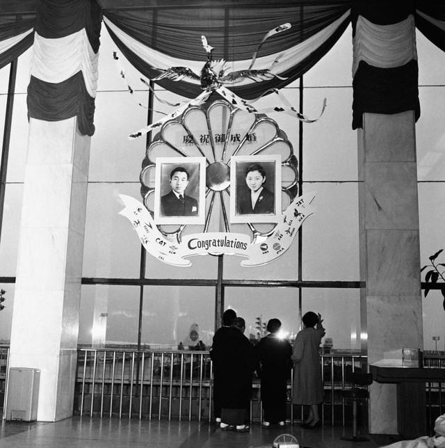 Hành trình 85 năm đi cùng nước Nhật của Nhật hoàng Akihito - Ảnh 6.