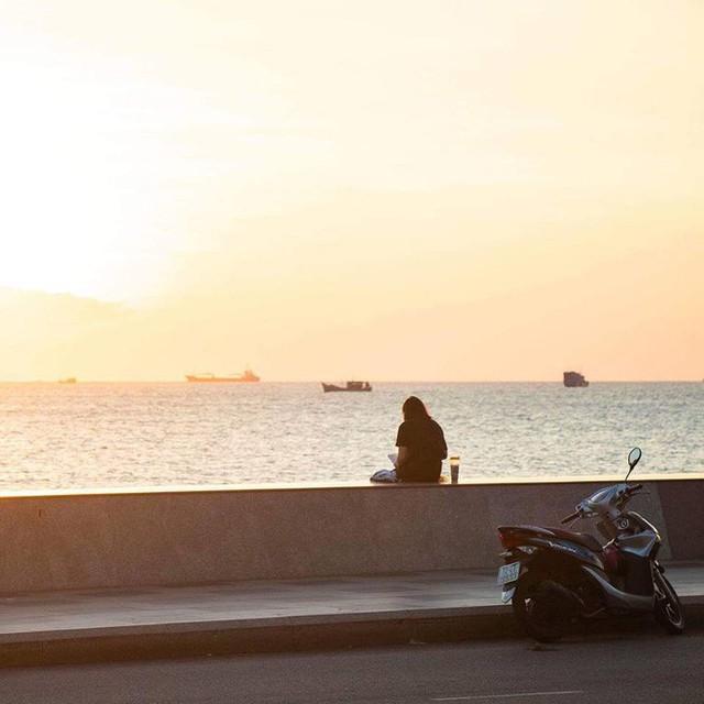 Bãi biển Vũng Tàu đông như vỡ trận, du khách nào chụp được ảnh mà chỉ có 1 mình quả là kỳ tích - Ảnh 7.